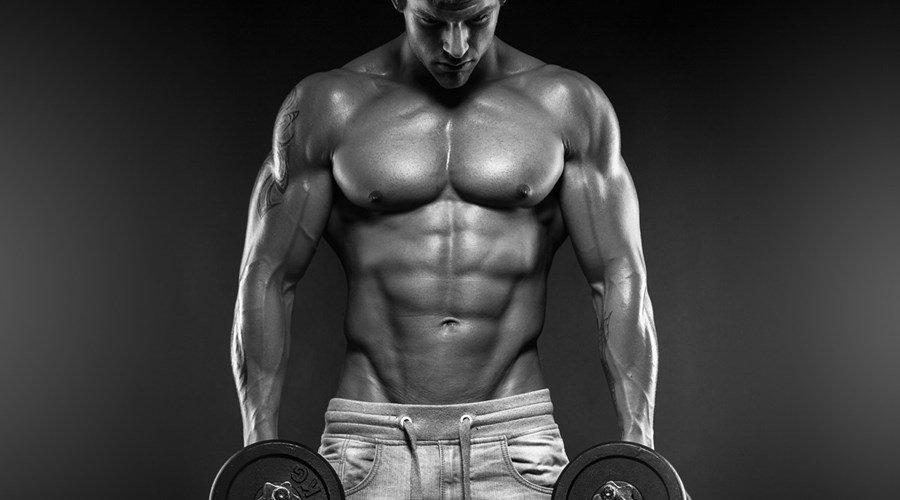 Frauen, die männer suchen, um ihren körper zu verändern